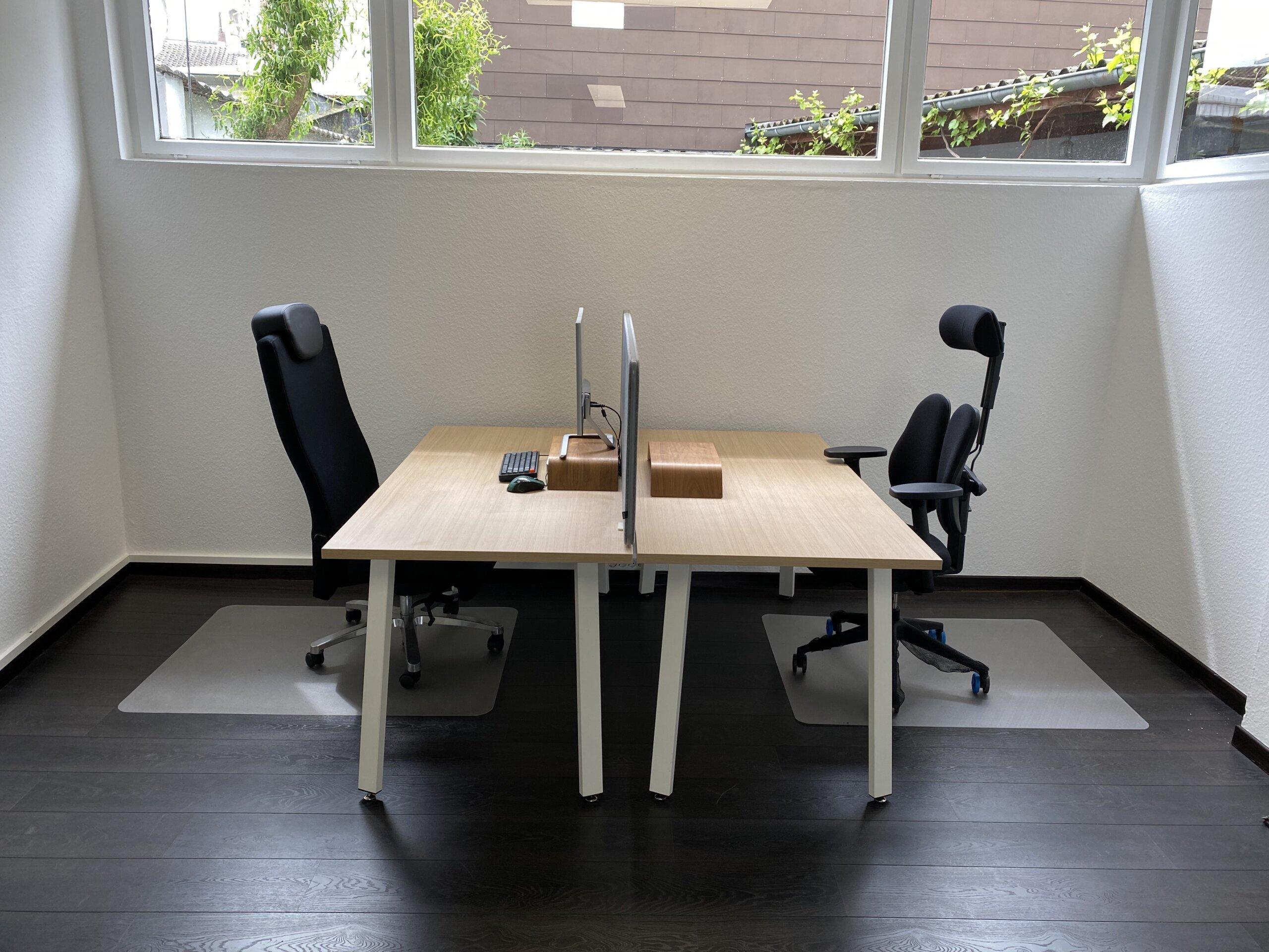 Schreibtisch in Bonn mieten